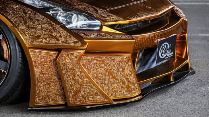 nissan-gt-r_gold-engraved_00