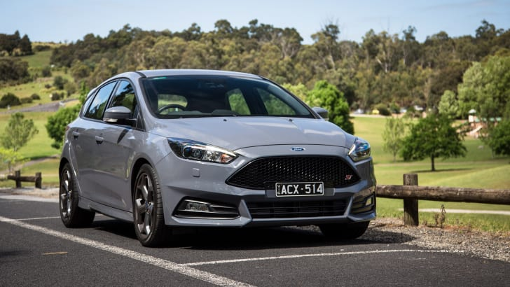 2015-ford-focus-st-hatch-22