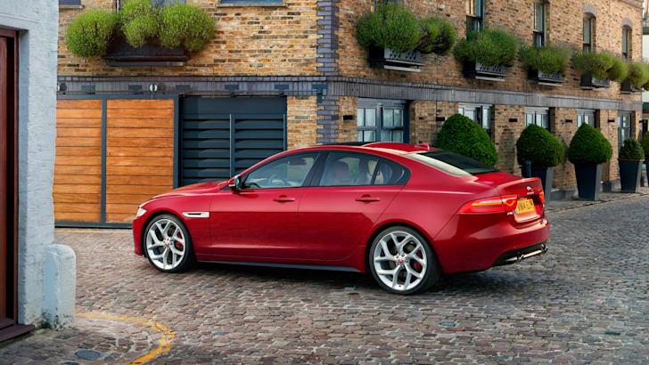 2015 Jaguar XE_22