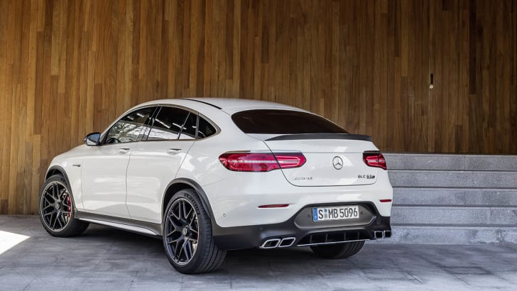 Mercedes-AMG GLC 63 S 4MATIC+ Coupé, designo diamantweiß bright ;Kraftstoffverbrauch kombiniert: 10,7 l/100 km; CO2-Emissionen kombiniert: 244 g/km Mercedes-AMG GLC 63 S 4MATIC+ Coupé, designo diamond white bright ; Fuel consumption combined: 10.7 l/100 km; combined CO2 emissions: 244 g/km