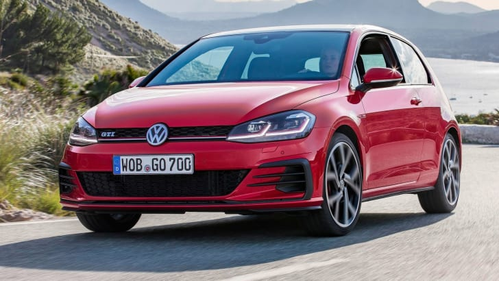 2017_volkswagen_golf-gti_three-door_04