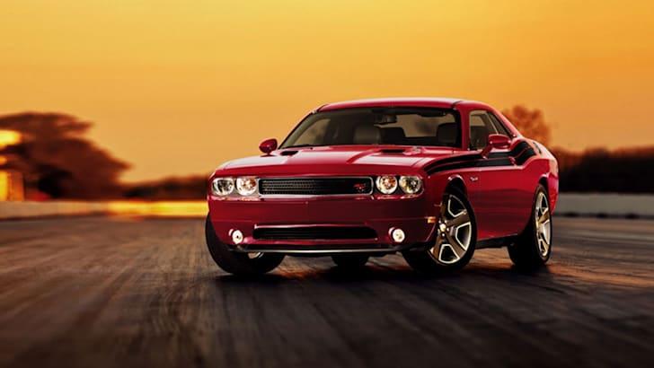 2014_Dodge_Challenger_SRT8_Core