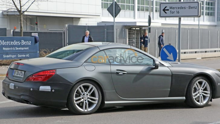 mercedes-benz-sl-facelift-spy-7-rear