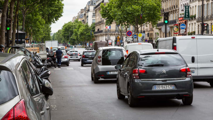 ev-car-share-paris-autolib-2015-32