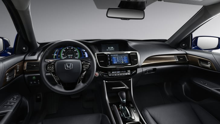 2017 Honda Accord Hybrid_12