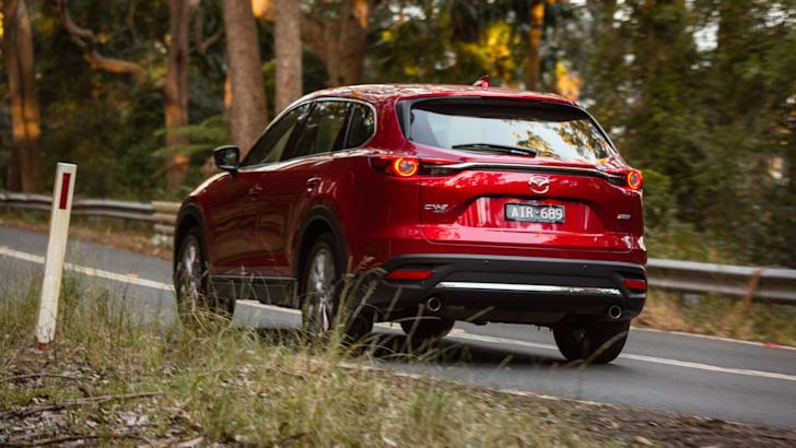 Mazda-cx-9-azami-toyota-kluger-grande-comparison7