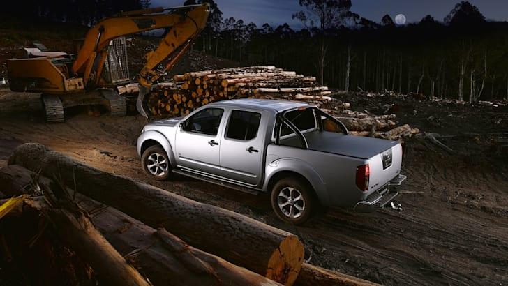 Nissan Navara ST-X Blackline Edition - 2