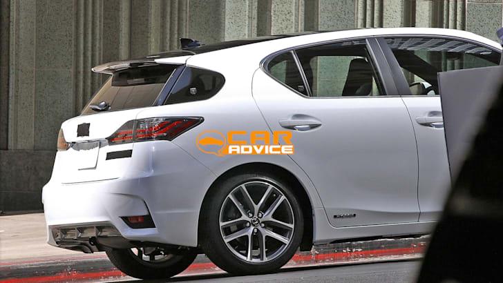 Lexus-CT200h-2