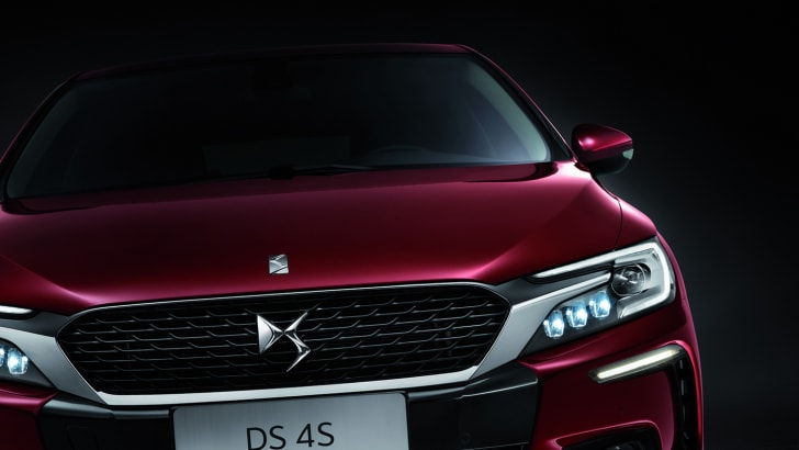 2016_citroen_ds-4s_china_03