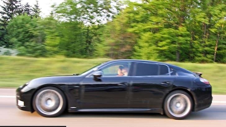 2009 Porsche Panamera autobahn encounter
