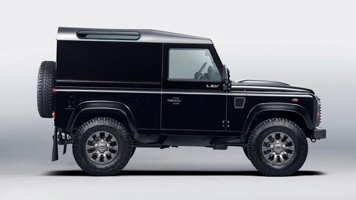 Land Rover Defender LXV3