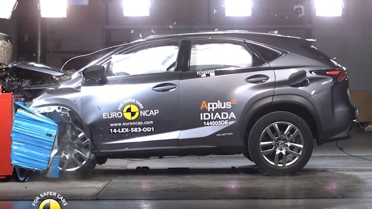 PHOTO - Lexus NX (2014-onwards) frontal offset