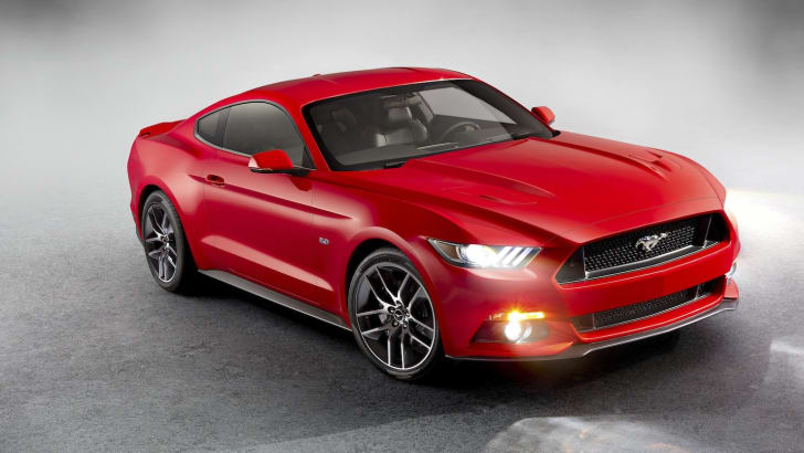 Ford Mustang - Grey background front - 4