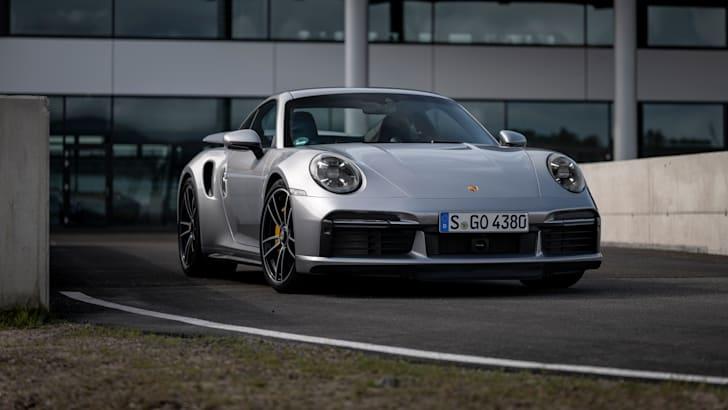 Porsche 911 Turbo S Versus Mclaren 720s In Drag Race Caradvice