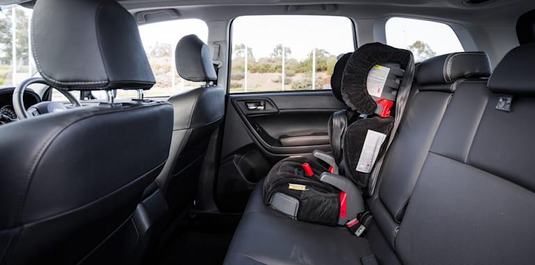 2015-RAV4-CX5-TUCSON-FORESTER-4-car-medium-suv-comparison-126