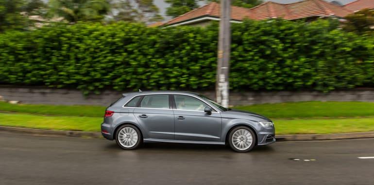Eco-Test Urban loop - Audi A3 e-tron v BMW i3 v Citroen C4 Cactus v Toyota Prius-39