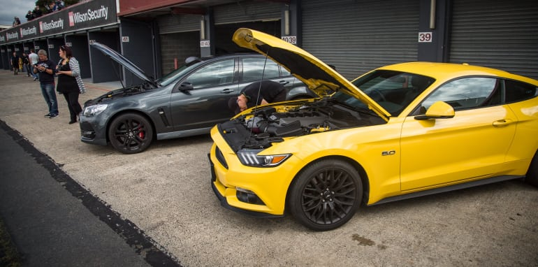 2017-ford-mustang-gt-v-holden-commodore-ss-track-12