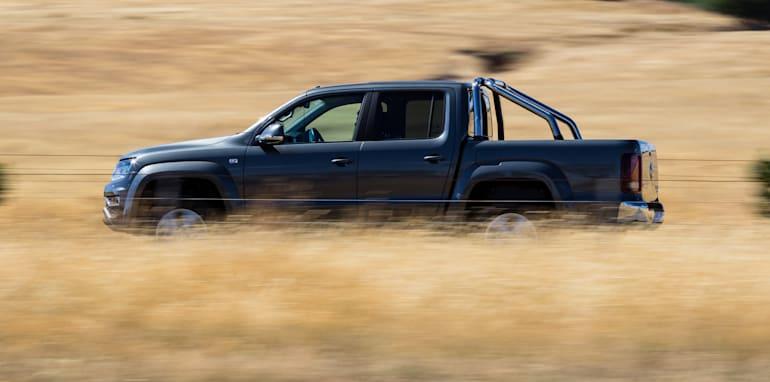 2017-ford-ranger-xlt-v-volkswagen-amarok-v6-139