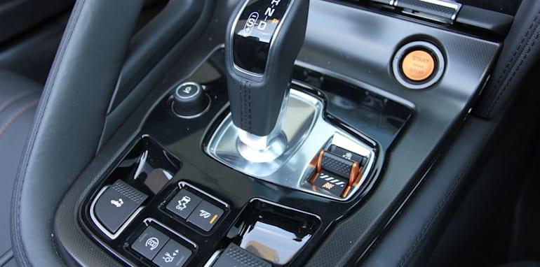 Jaguar-F-Type-Porsche-Boxster-Comparison-52