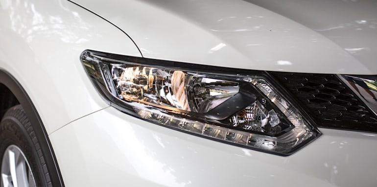 2016-Nissan-Xtrail-comparison-24