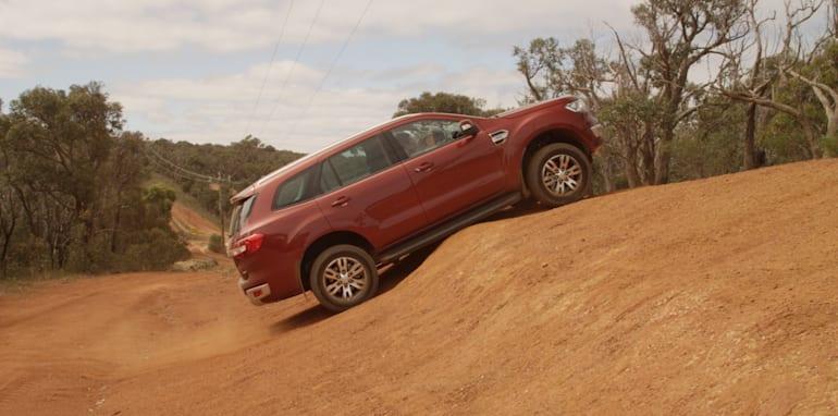 Ford-Everest-Toyota-Fortuner-Comparison-37