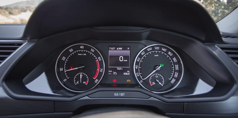 2016 Luxury sedan comparison Hyundai Genesis Ultimate v Jaguar XF 20d Prestige v Infiniti Q70 GT v Lexus GS200t F Sport v Skoda Superb sedan 206TSI-59
