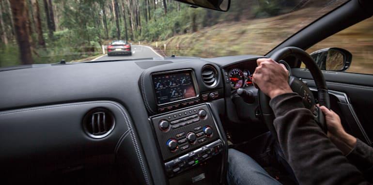 2015-porsche-911-turbo-v-nissan-gtr-comparison-73