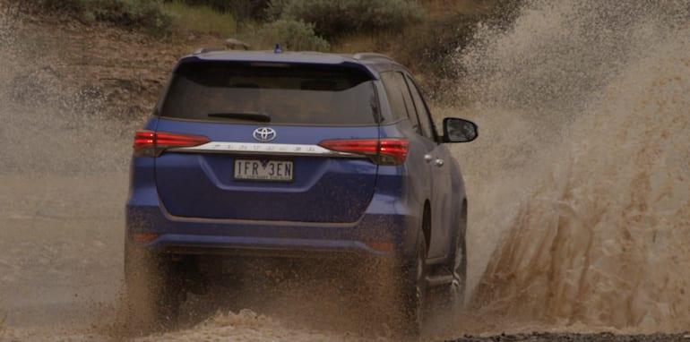 Ford-Everest-Toyota-Fortuner-Comparison-7