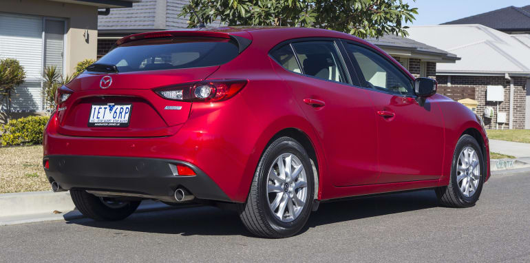 small-cars-aug-2015-mazda3-4