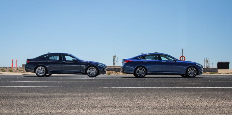 2014-HYUNDAIandBMW-528i-vs-genesis-comparison-46