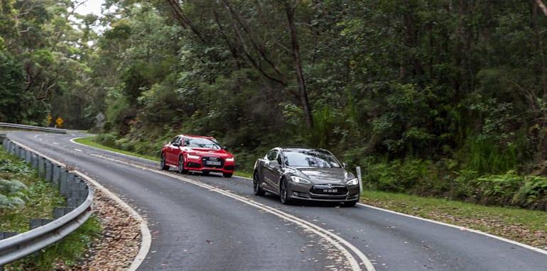 2015 Tesla Model S P85D v 2015 Audi RS7-115