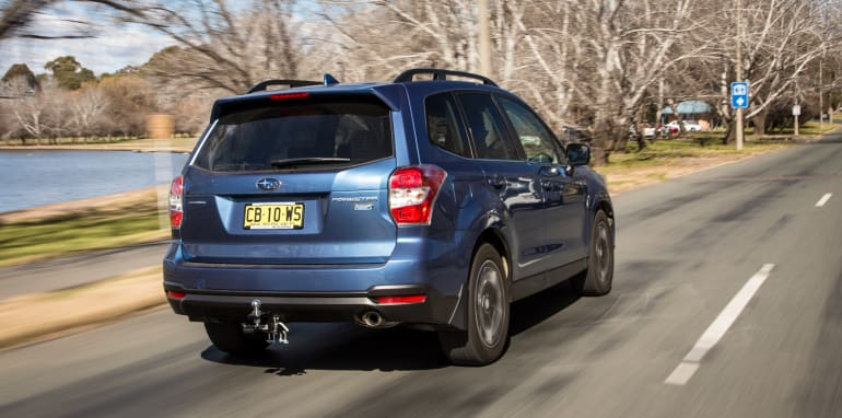 2015-RAV4-CX5-TUCSON-FORESTER-4-car-medium-suv-comparison-139
