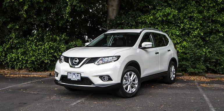 2016-Nissan-Xtrail-comparison-5