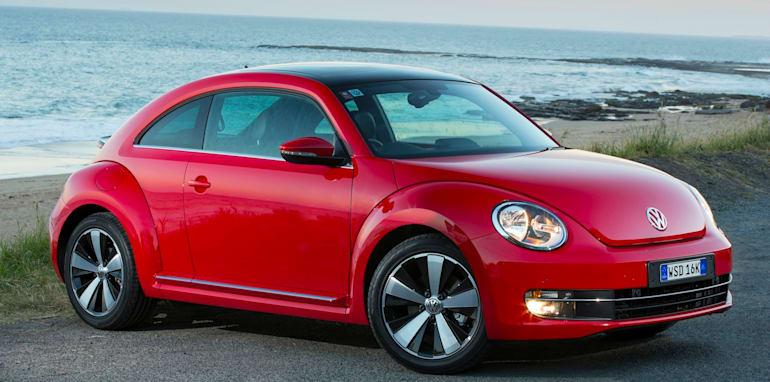2013-Volkswagen-Beetle-6