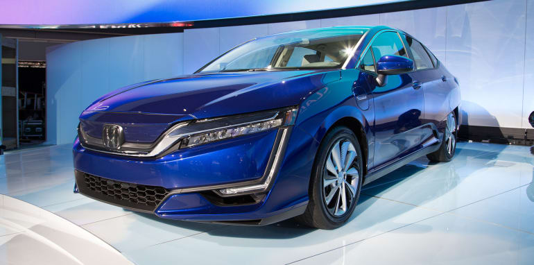 honda-clarity-electric-front