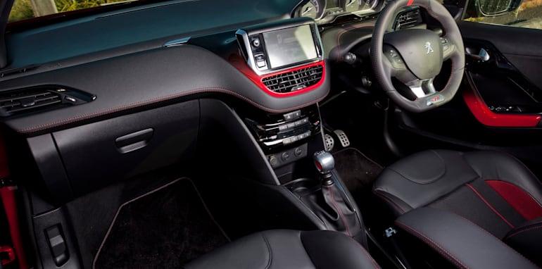 Peugeot 208 GTi 10