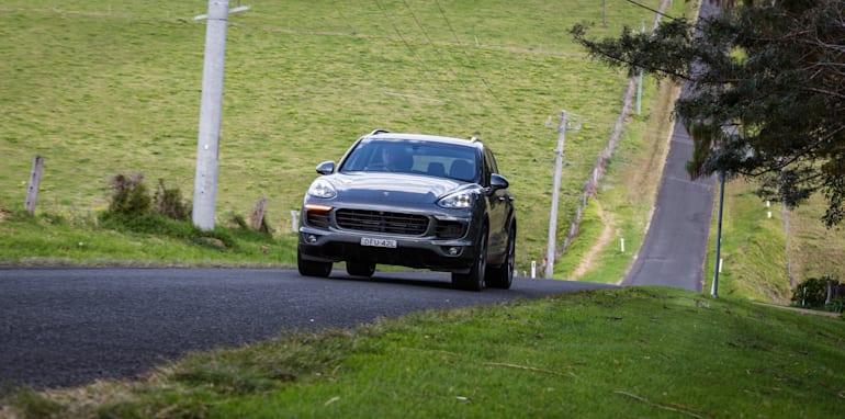 2016 Luxury SUV Comparo_Range Rover Sport V Jaguar F Pace V Porsche Cayenne V Volvo XC90 V BMW X5 V Audi Q7 V Lexus RX350 V Merc GLE250d-350