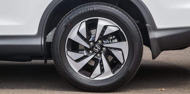 Hyundai Tucson V Honda CR-V-1-18