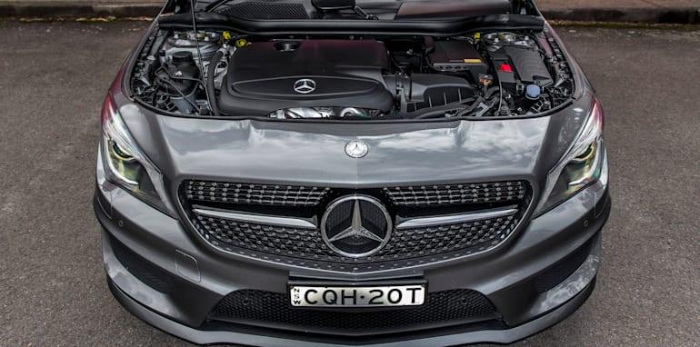 2014 Mercedes-Benz CLA-Class-31