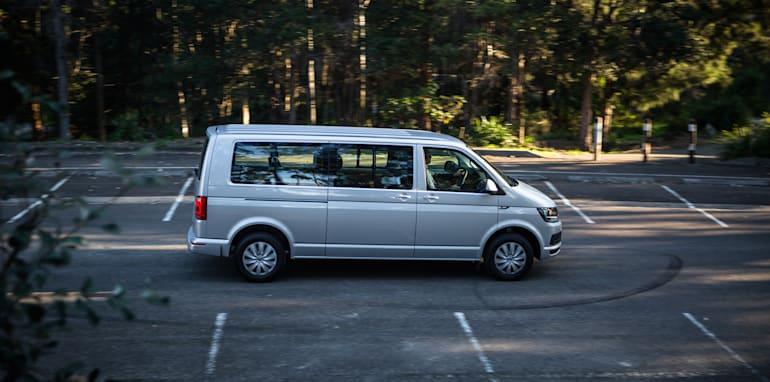 2016 Comparison Volkswagen Caravelle V Mercedes Valente-133