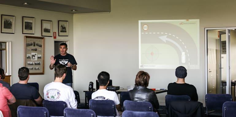 2015-thecorrespondent-driver-training-24