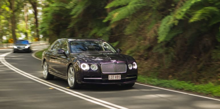 2015-bentley-v-mercedes-super-luxo-comparison-85