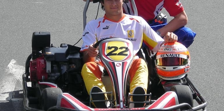 Nelson Piquet and Cameron McConville pose at the Albert Park go karting centre, Formula One 2009