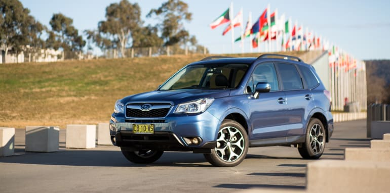 2015-RAV4-CX5-TUCSON-FORESTER-4-car-medium-suv-comparison-3