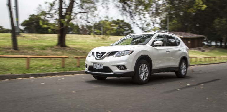 2016-Nissan-Xtrail-comparison-8