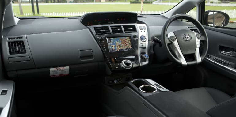 2014 Toyota Prius V 7