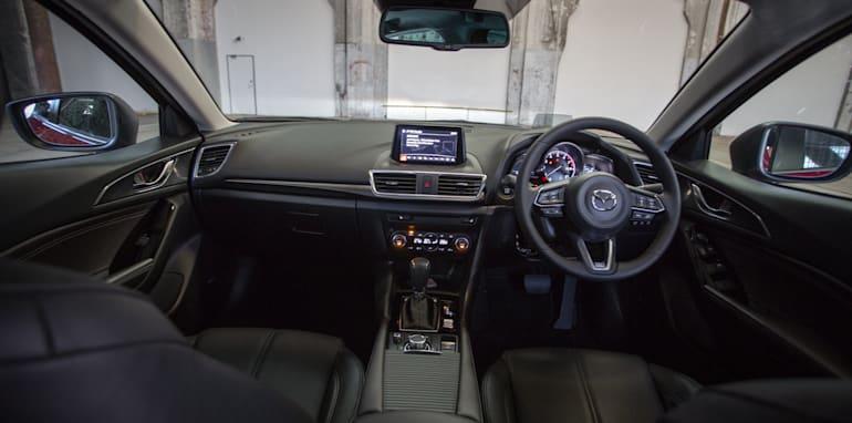 2016 Small Hatch Comparison Mazda 3 SP25 Astina V Volkswagen Golf 110TSI Highline V Hyundai i30 SR Premium-104