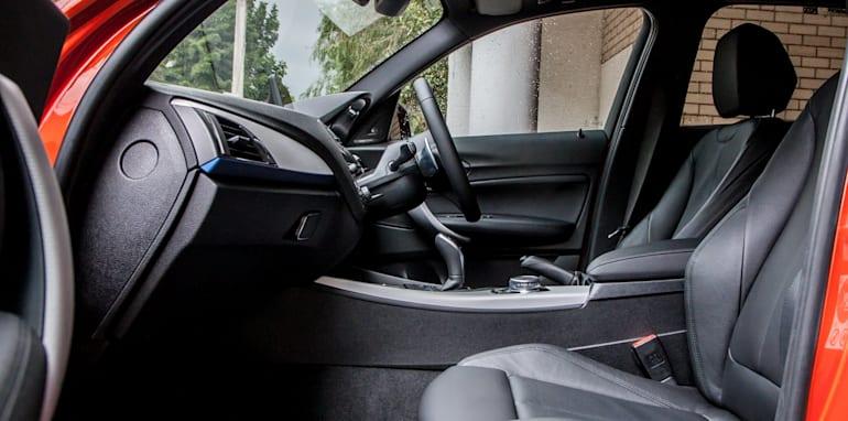 2015-bmw-125i-v-mercedes-benz-a250-sport-interior-16