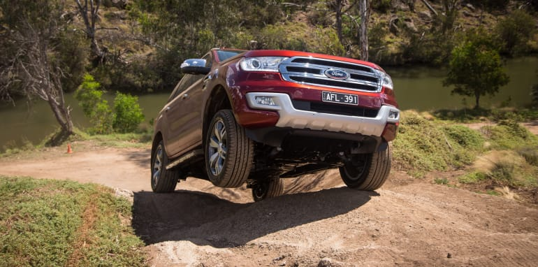 2016-ford-everest-titanium-v-toyota-prado-off-road-89