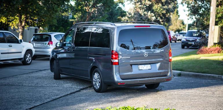 2016 Comparison Volkswagen Caravelle V Mercedes Valente-142